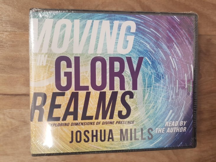 MOVING IN THE GLORY REALMS CD